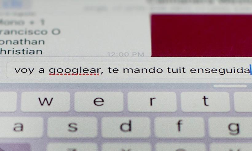 Entre el trino y el tuit: cómo las redes sociales han influido el idioma español